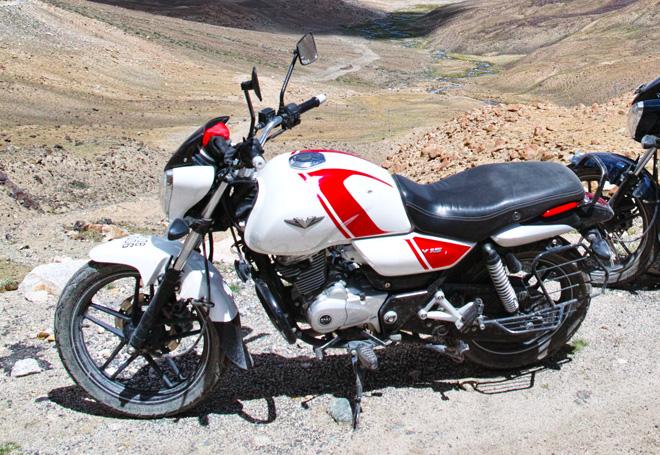 ラダック バイク旅 BAJAJ