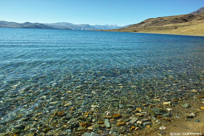 ツォ・モリリ 湖面